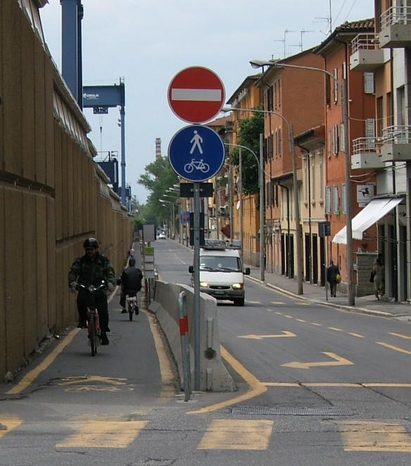 Bologna - cycle lane