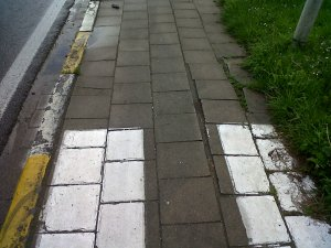 Tiles on the Avenue de Tervuren cycle path at the Tervuren end