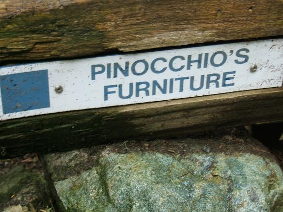 Pinoccio's Furniture sign