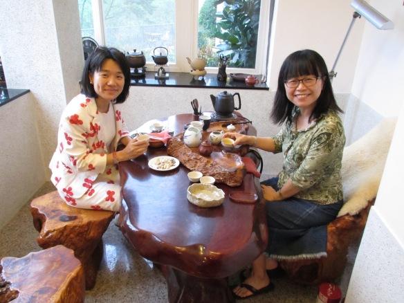 Taking tea, Taiwan style