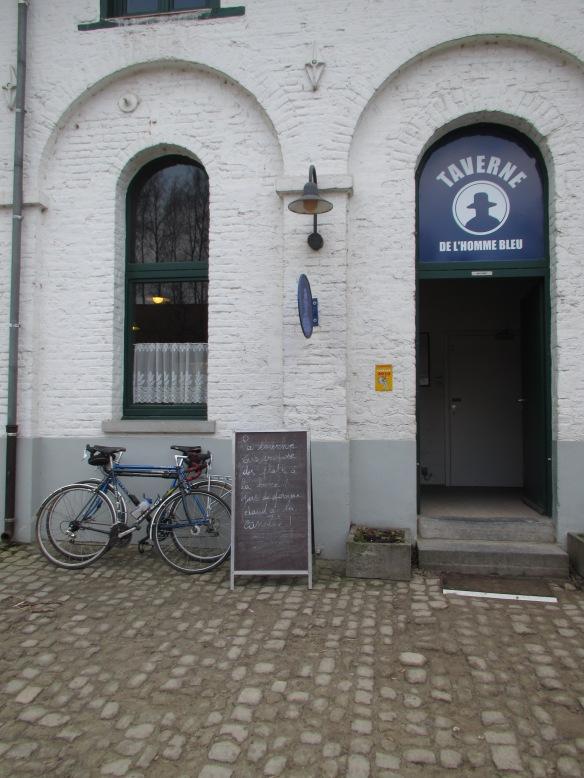 Blue Man Taverne