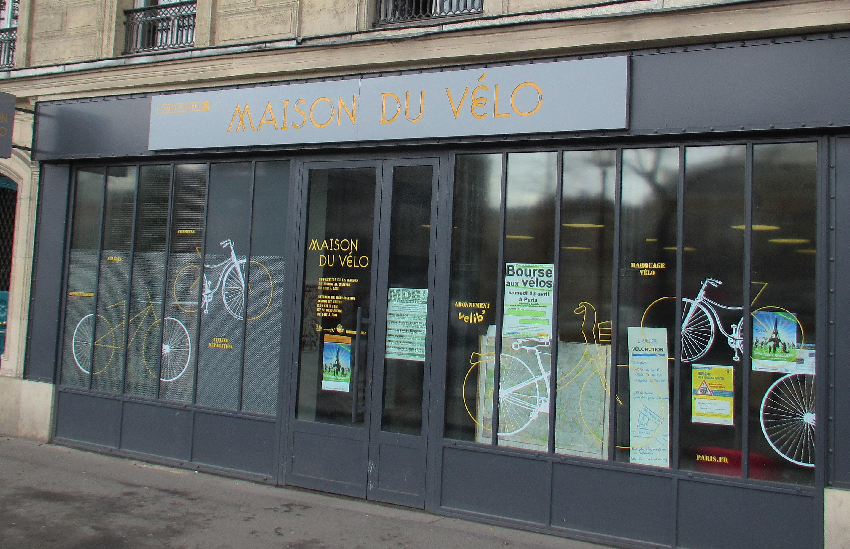 When i join 100 000 parisians on a velib i do not despair for Maison du the paris