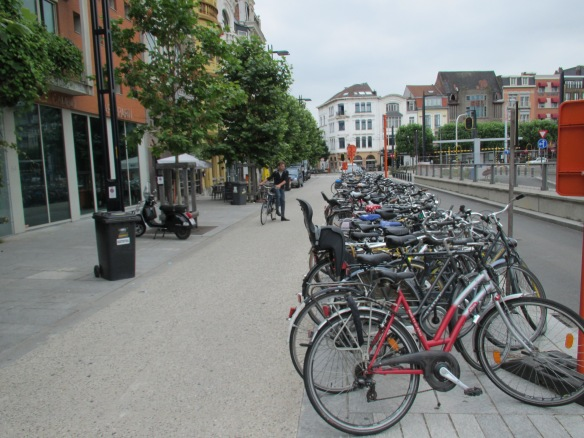 Cycle parking Ghent station 3