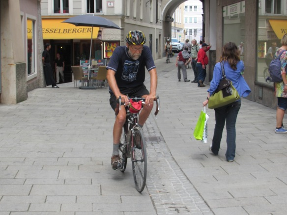 Salzburg cycle tourist