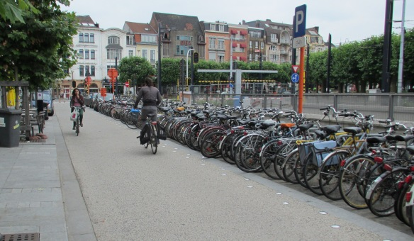 Segregated cycle path Ghent