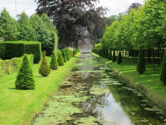 Jardins D' Annevoie ponds
