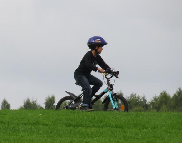 Child cycling Solvay Park La Hulpe