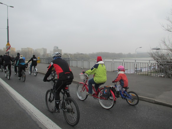 Family crossing the Vistula Warsaw climate ride