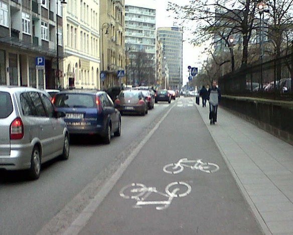 segregated cycle lane Warsaw