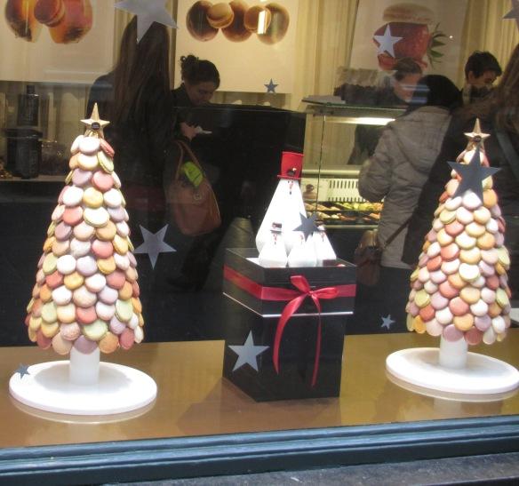 Macaroon display shop window Brussels