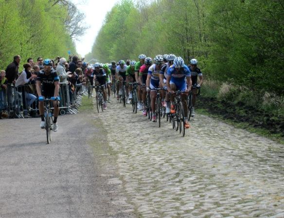 Paris Roubaix Peloton 2014 Arenberg