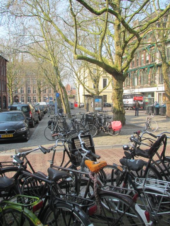 Utrecht centre cycle parking