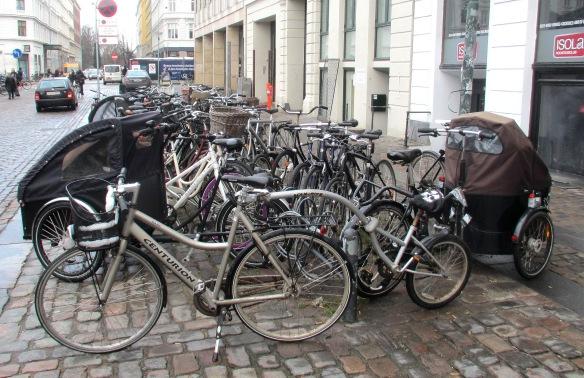 Copenhagen corner street parking