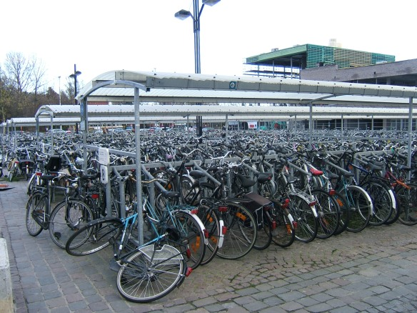 Cycle parking Bruges station