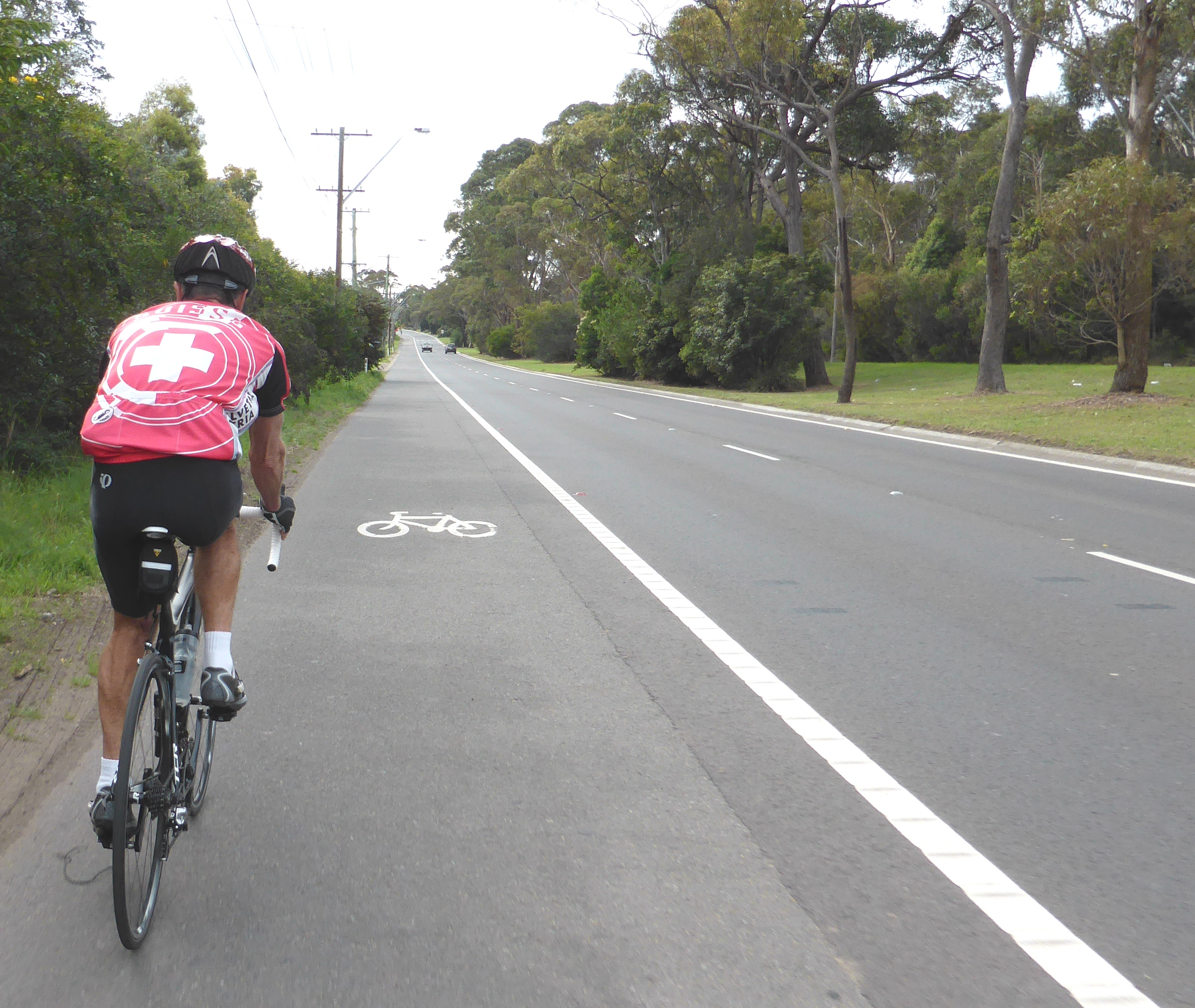 Cycling on freeways and major highways in Australia ...