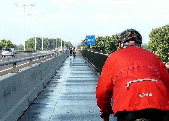 Cycle route motorway bridge