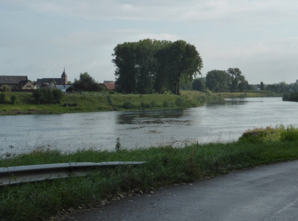 River Maas by bike Flanders