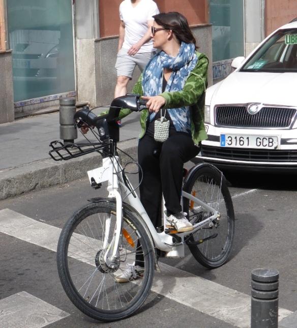 BiciMad woman user bike share Madrid