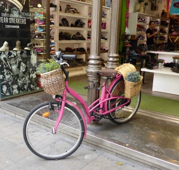 Bike display shoe shop Madrid