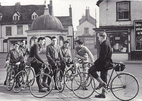 Godric CC on fixies 1950s