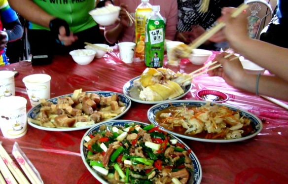 hakka style lunch Taiwan bike tour