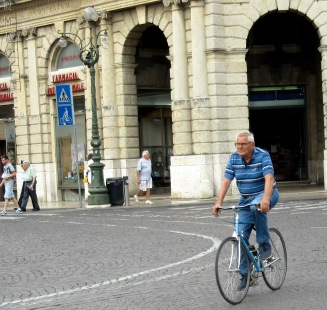 older-cyclists-verona-2