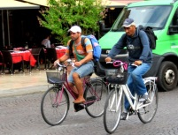 verona-ethnic-minority-cyclists-2