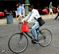 verona-ethnic-minority-cyclists-3