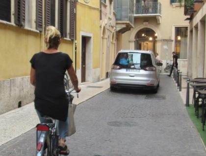 women-cyclists-of-verona-1