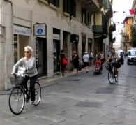 women-cyclists-of-verona-4