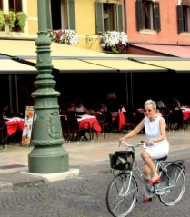 women-cyclists-of-verona-8