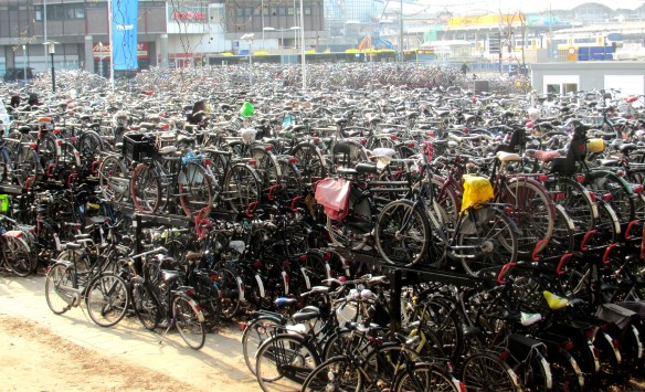 Copyright photo Kevin Mayne - mass cycle parking